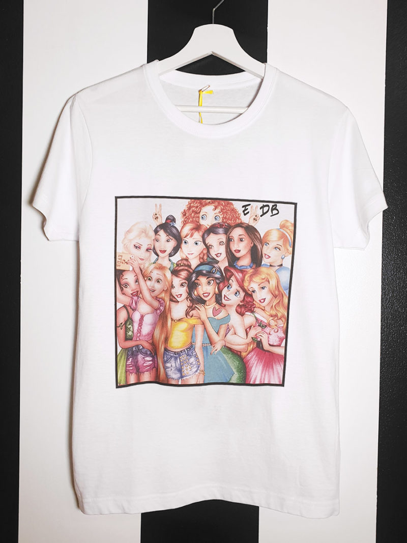 camiseta blanca algodón princesas Disney selfie