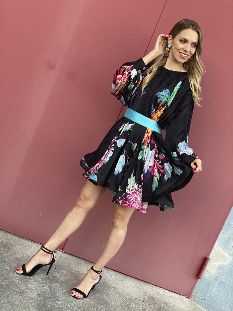 vestido corto seda plisado manga larda estampado flores