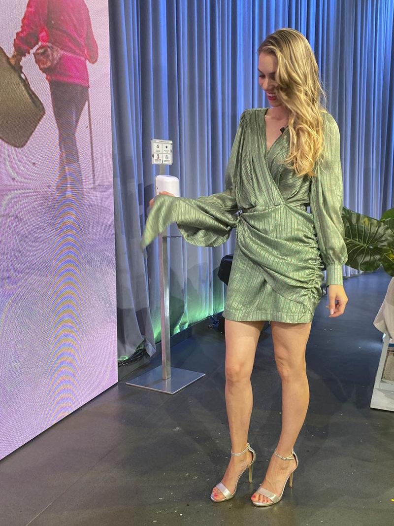 vestido fiesta corto asimétrico drapeado verde